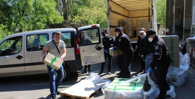 Допомога поруч: сьогодні дарничанам в умовах карантину доставили рекордні 750 продуктових наборів
